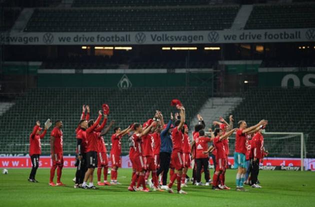 Boateng phất bóng thiên tài, Bayern vô địch Bundesliga sớm 2 vòng đấu