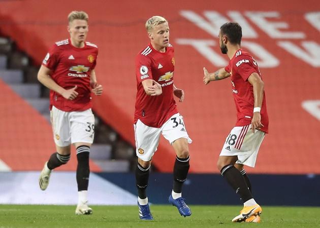 Van de Beek 'mở tài khoản', Man Utd vẫn thua thảm tại Old Trafford