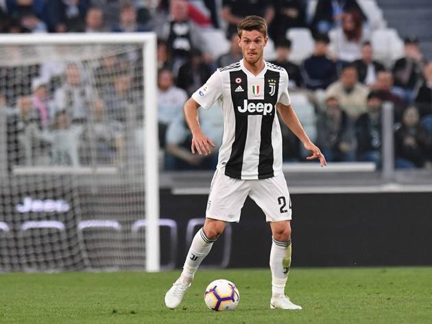 Đón 'hòn đá tảng', Leeds United định đoạt luôn thương vụ sao Juventus