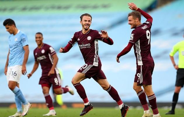 Vardy lập hattrick tuyệt đỉnh, Leicester City ngược dòng đè bẹp Man City 5 bàn
