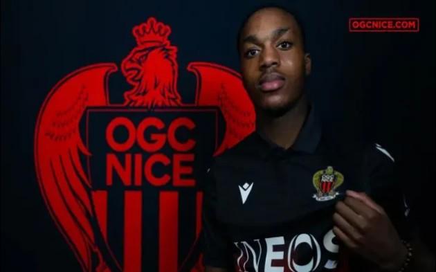 XONG! Chia tay Man United, 'ma tốc độ' chuyển đến Ligue 1