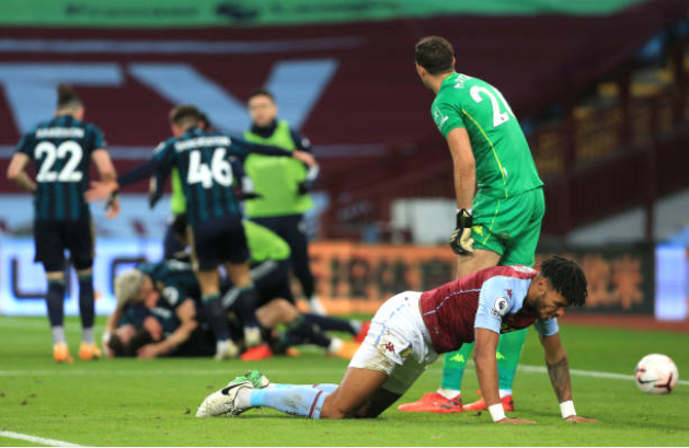 Ngã ngựa trước tân binh, Aston Villa đứt mạch toàn thắng, lỡ cơ hội chiếm ngôi đầu