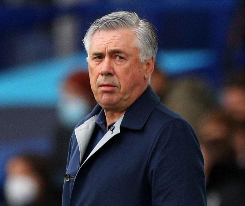 Carlo Ancelotti nên thận trọng với 'trò cưng' của mình