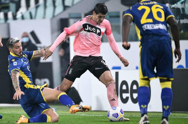 Vắng Ronaldo, Juventus 'chết hụt' trước Hellas Verona ngay trên sân nhà