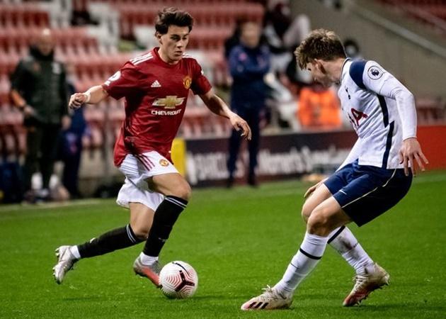 Tạo dấu ấn đầu tiên ở Man Utd, 'báu vật' 18 tuổi lập tức gửi thông điệp