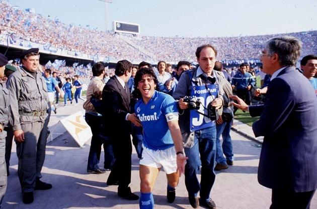 Diego Maradona: Vị thánh bảo hộ của Napoli