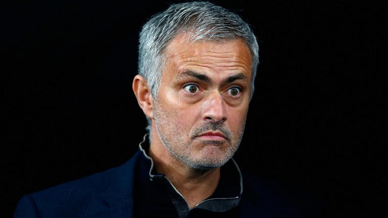 """Người cũ Spurs """"nổi cơn thịnh nộ"""" với quyết định của Mourinho"""