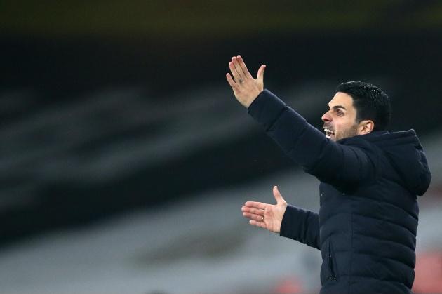 Arsenal vắng 'quái thú' ngày tái đấu Rapid Wien
