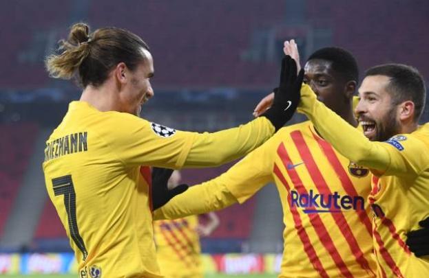 Nối dài mạch thắng, Barca hủy diệt Ferencvarosi TC trong ngày Messi vắng mặt