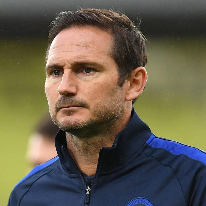 """Huyền thoại Chelsea chỉ điểm cách để Lampard chơi với 2 """"số 8"""""""