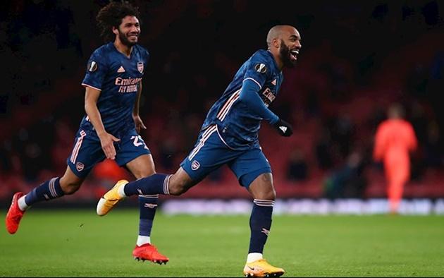 Sân Emirates đón chào 'cầu thủ thứ 12', sao Arsenal phá vỡ im lặng