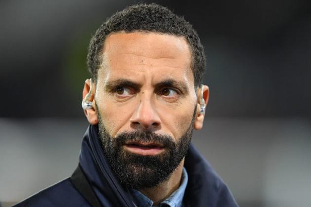Rio Ferdinand lên tiếng chỉ trích Bruno Fernandes và Maguire