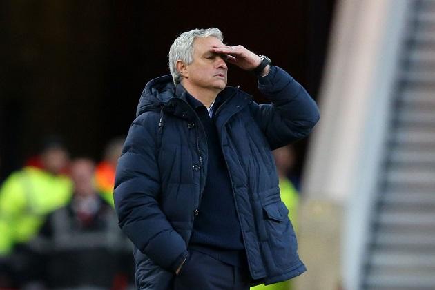 Hòa Chelsea, Mourinho chỉ đích danh cầu thủ Tottenham mắc rất nhiều sai lầm
