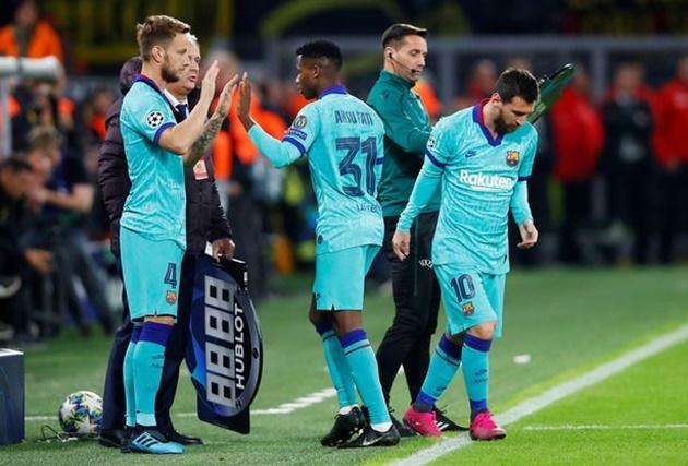 NÓNG! Hòa may mắn trước Dortmund, fan Barca đồng loạt nói 1 điều về Messi