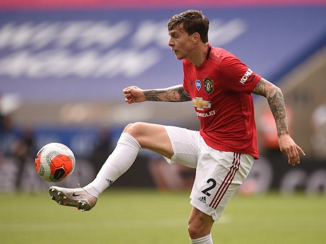 Thể lực Lindelof chạm ngưỡng báo động, BLĐ Man Utd lo sốt vó