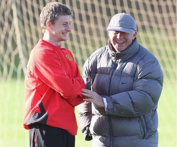 Solskjaer hỏi Sir Alex về vấn đề Mourinho không thể giải quyết được