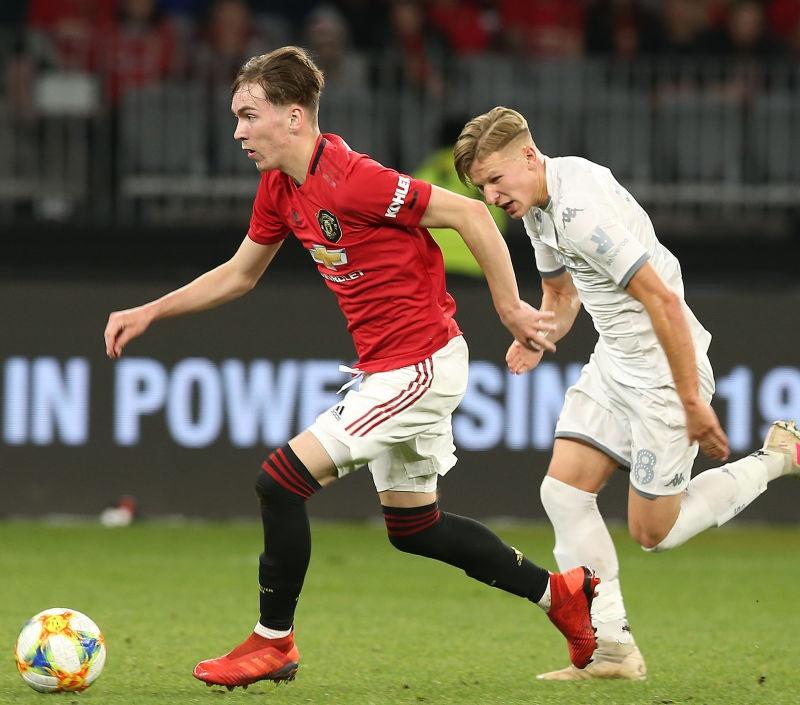 Fan Quỷ đỏ: 'Cậu ấy sẽ là tiền vệ ở đẳng cấp thế giới'