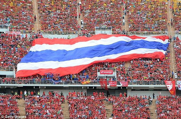 AFF Cup 2018: Thái Lan nhận quà 'từ trên trời rơi xuống'
