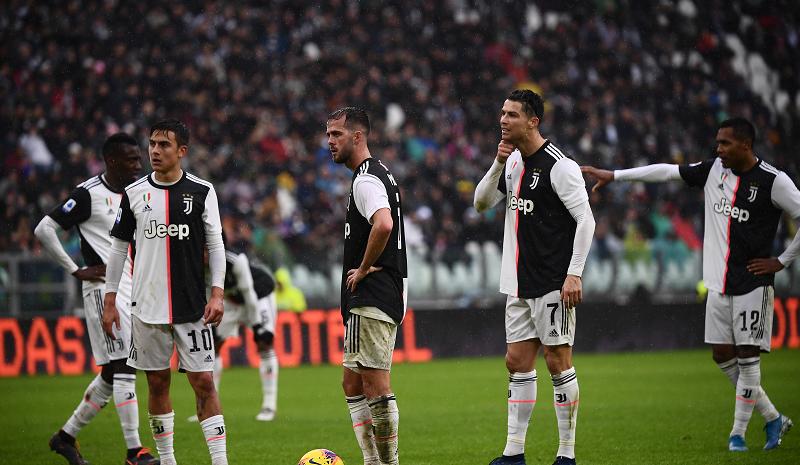 Ronaldo ghi bàn mở tỷ số, Juventus nhận thất bại đầu tiên của mùa giải