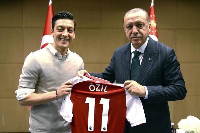 Mesut Ozil và đội tuyển Đức: Cuộc chia ly tất yếu - Bóng Đá