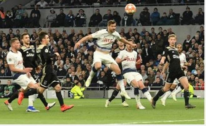 TRỰC TIẾP Tottenham 0-1 Ajax: Gà trống bị ép sân (H1) - Bóng Đá