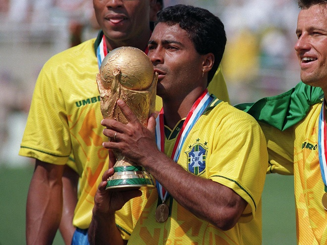 Brazil legend Romario in relationship with stunning student aged 22… 31 years his junior - Bóng Đá