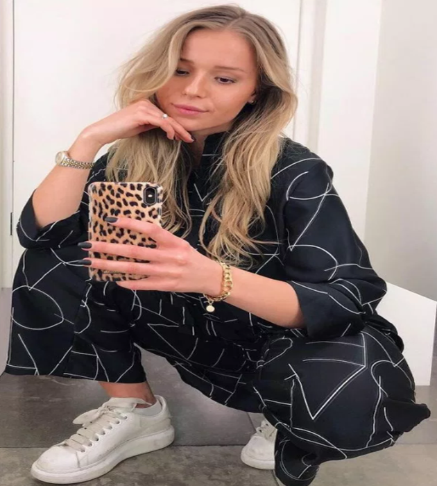 Newcastle new signing Emil Krafth's Wag is stunning blonde bombshell Lina Lundqvist, who rocks a six-pack and loves football - Bóng Đá