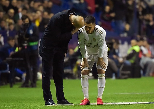 Eden Hazard's season is NOT over despite fracturing his ankle, his international boss Roberto Martinez claims - Bóng Đá