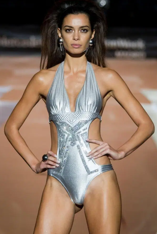 Dani Alves supermodel wife Joana Sanz turned down TWO proposals before their secret fancy Ibiza wedding - Bóng Đá