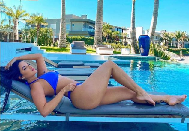 Meet Douglas Costa's Wag Nathalia Felix, an Instagram star with 417,000 followers, a bikini model and lifestyle blogger - Bóng Đá