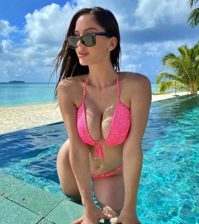 Most popular Wags on Instagram - Bóng Đá