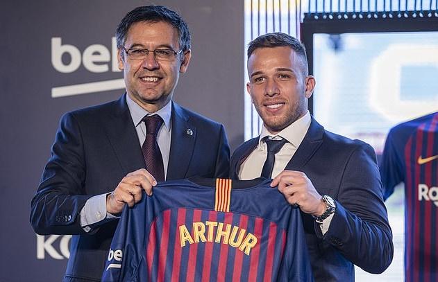 Barcelona's £1BN black hole: Despite splurging huge sums on 32 transfers since 2014 - Bóng Đá