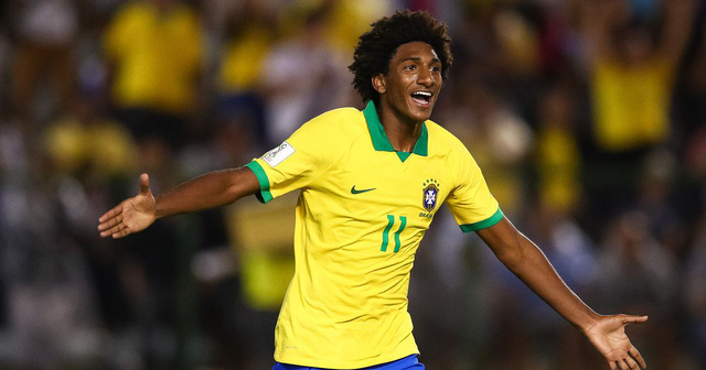 Talles Magno: Liverpool-linked Brazilian teen star with Neymar-esque skills - Bóng Đá