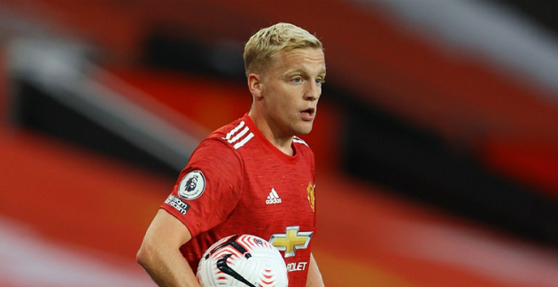 Man Utd trying to bulk up Donny van de Beek with strength programme – like Bruno Fernandes and Cristiano Ronaldo - Bóng Đá