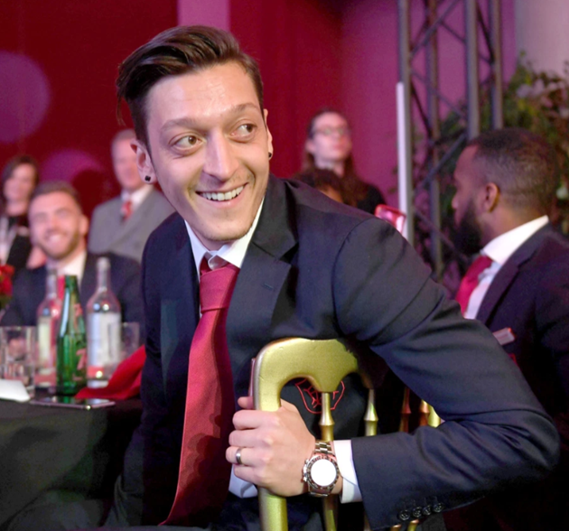 Inside Arsenal star Mesut Ozil's millionaire London lifestyle, featuring his £10m home and favourite Turkish restaurant - Bóng Đá