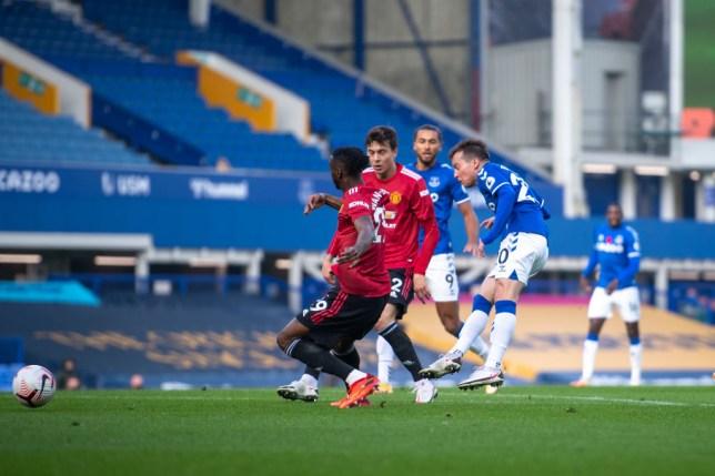 Joe Cole slams Manchester United stars Victor Lindelof and Aaron Wan-Bissaka after Bernard's goal for Everton - Bóng Đá