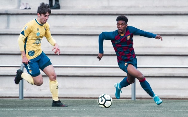 Barcelona wonderkid Alejandro Balde, 17, promoted to first team by Ronald Koeman is ready to push Alba for starting spot - Bóng Đá