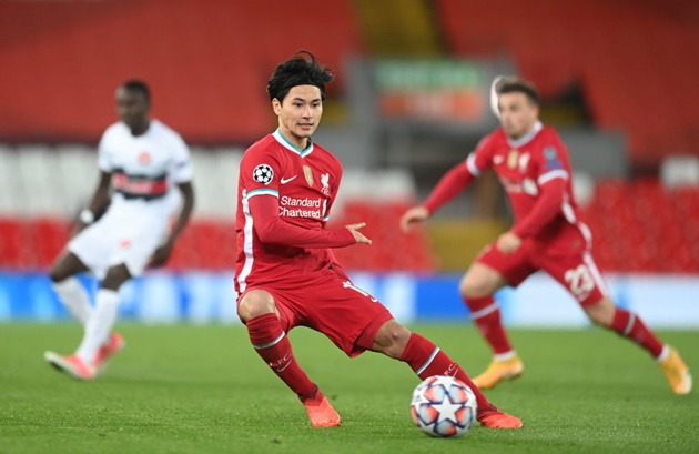 Liverpool fans disappointed as Takumi Minamino is left on the bench against Atalanta - Bóng Đá