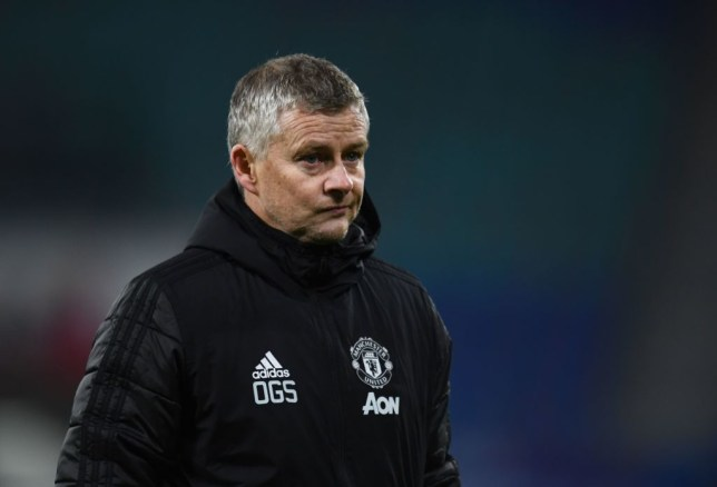 Manchester United boss Ole Gunnar Solskjaer playing two holding midfielders makes 'no sense', says Paul Parker - Bóng Đá