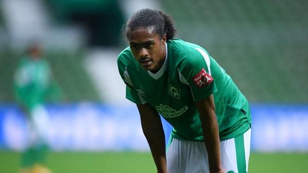 On-loan Man Utd starlet Chong improvement identified by Werder Bremen chief - Bóng Đá