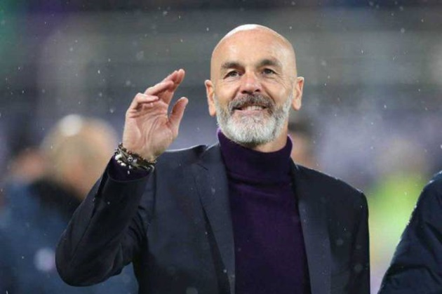 Stefano Pioli vui mừng khi Milan giành chiến thắng - Bóng Đá