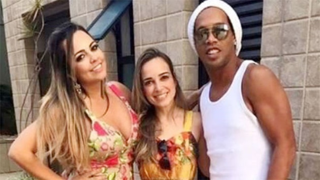 Ra tù, Ronaldinho gây sốc với dàn mỹ nữ hở bạo - Bóng Đá