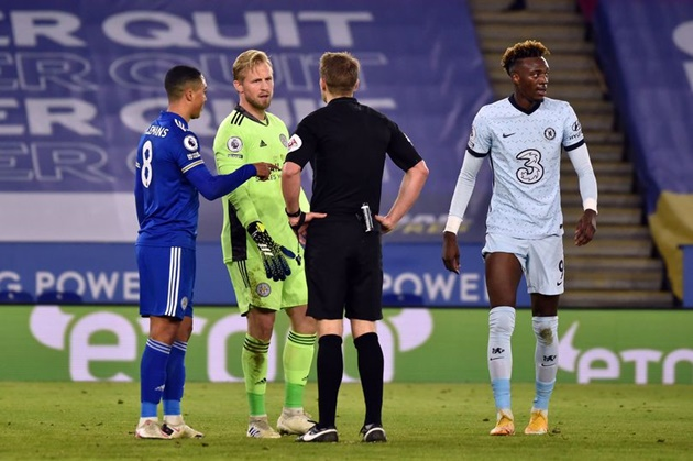 Gary Lineker says what all Leicester City fans are thinking after Chelsea VAR incident - Bóng Đá
