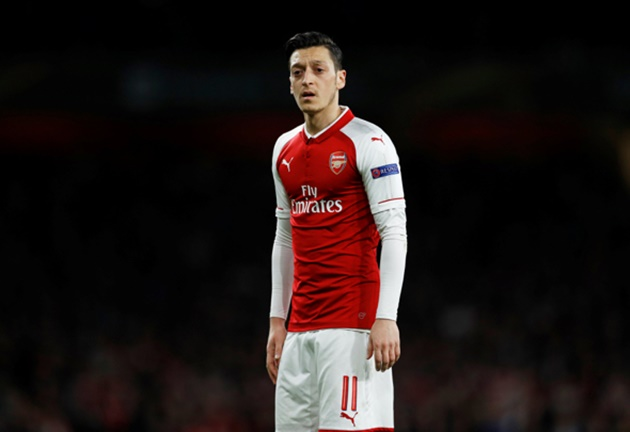 Mesut Ozil will not be remembered as an Arsenal great, according to Kevin Campbell - Bóng Đá
