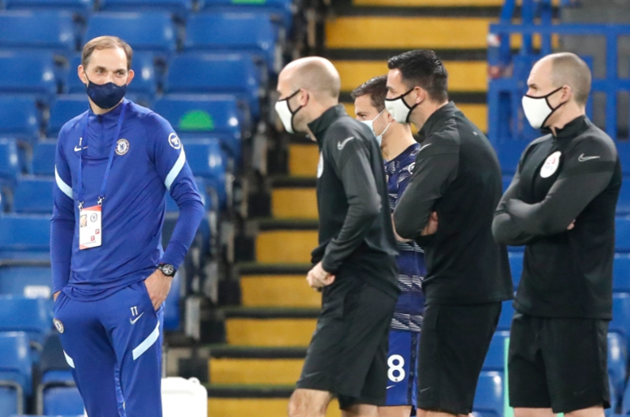 Tuchel walks out to 'In Frank We Trust' banner in first Chelsea game - Bóng Đá