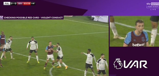 Tomas Soucek controversially sent off for 'elbow' on Mitrovic in stalemate - Bóng Đá