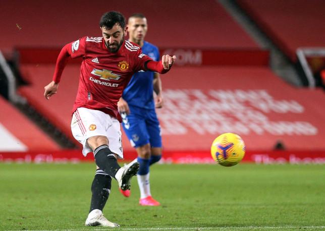 Manchester United hero Robin van Persie hails Bruno Fernandes' stunning strike against Everton - Bóng Đá