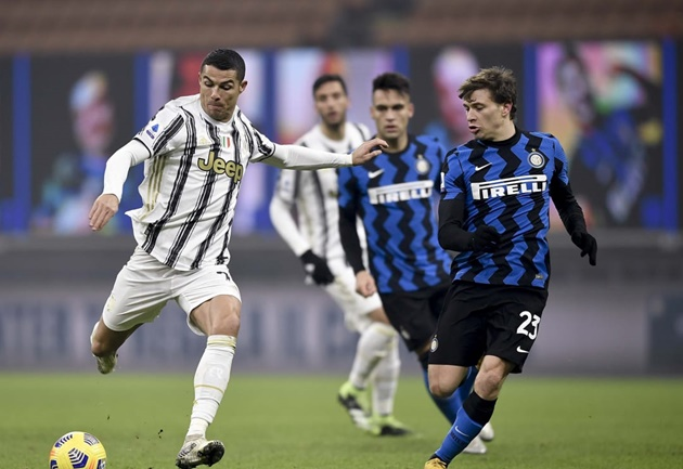 Juve want to extend Ronaldo's contract on one condition - Bóng Đá