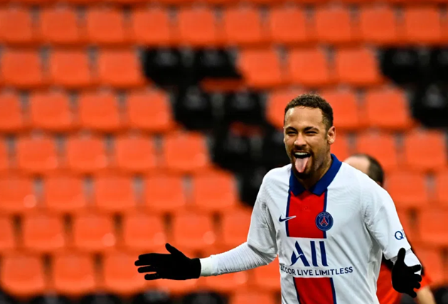 PSG star Neymar 'flirting with stunning Italian fashion influencer Chiara Nasti - Bóng Đá