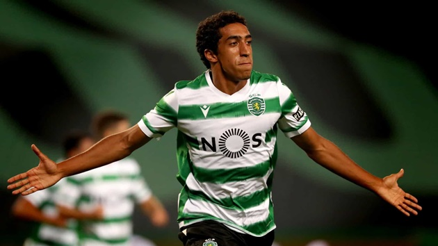 Arsenal have been linked with Sporting Lisbon youngster Tiago Tomas. - Bóng Đá